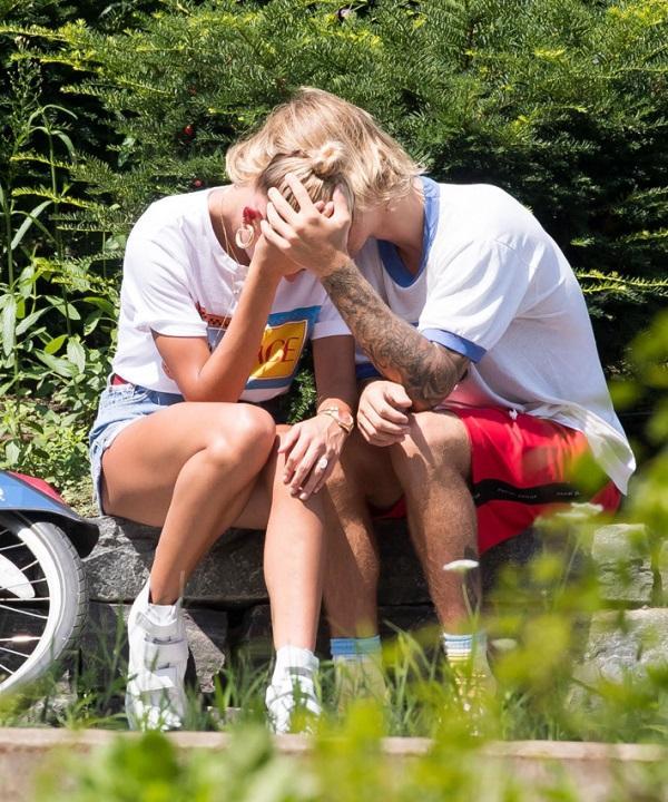 10 khoảnh khắc lãng mạn nhất của Justin Bieber và Hailey Baldwin kể từ khi đính hôn-5