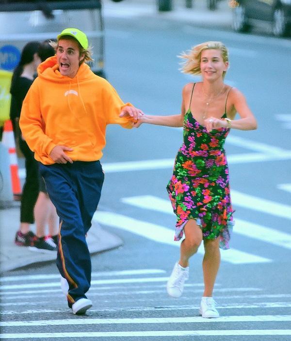 10 khoảnh khắc lãng mạn nhất của Justin Bieber và Hailey Baldwin kể từ khi đính hôn-6