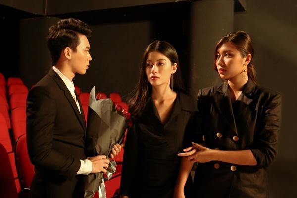 Sau khi đính hôn với bạn trai, Trương Kiều Diễm trở lại với MV đậm mùi bách hợp?-4