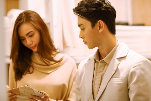 Sau khi đính hôn với bạn trai, Trương Kiều Diễm trở lại với MV đậm mùi bách hợp?-6