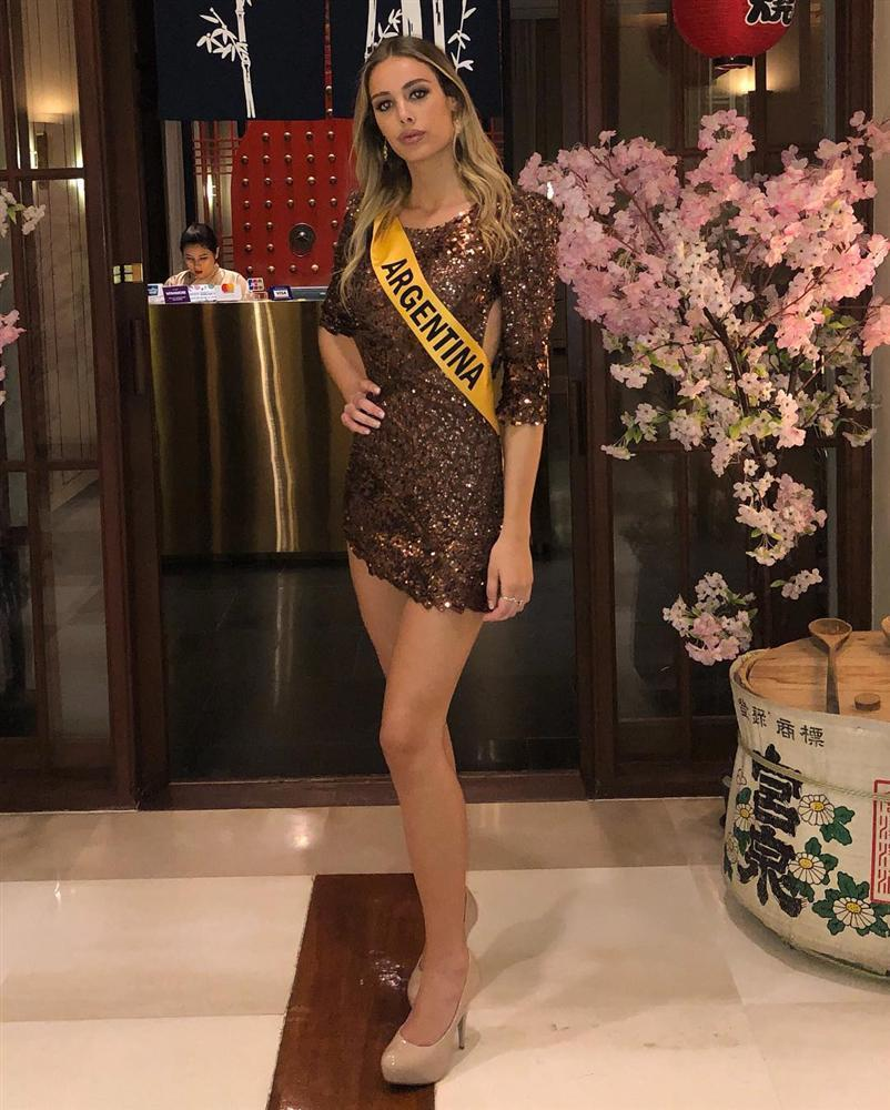 Sự thật có phải Á hậu Bùi Phương Nga bị bạn cùng phòng chơi xấu tại Miss Grand International 2018?-2