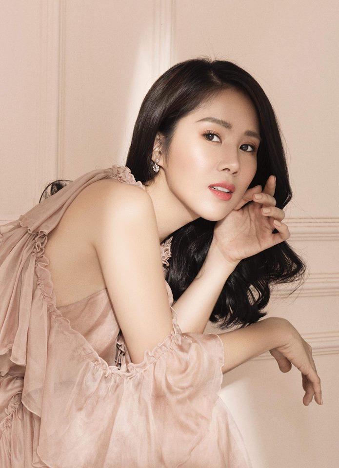 Hoa hậu Đặng Thu Thảo gây thương nhớ với nhan sắc em chưa 18-5