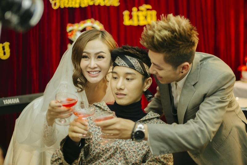 Tên ca khúc nhạy cảm của Bảo Anh, Mr Cần Trô đi hát, Juun Đăng Dũng làm MV về hội bạn trai cũ của cô dâu-9