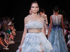 Hóa ra đây là cách Georges Hobeika làm ra chiếc đầm lông vũ xanh đẹp nhất trong BST Thu Đông 2018-2019