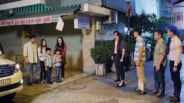 Gạo nếp gạo tẻ tập 68: Bước đường cùng của kẻ phản bội, Công quỳ gối xin Hương cưu mang mẹ và em gái-10