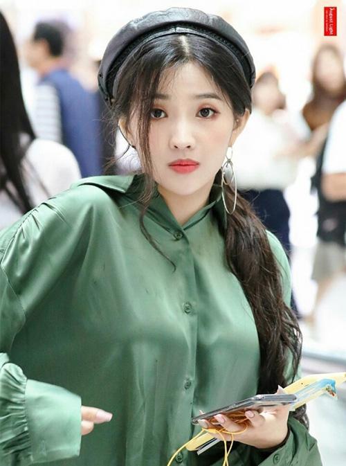 Mũ beret cổ điển phủ sóng tủ đồ sao Hàn mùa thu 2018 - ảnh 4
