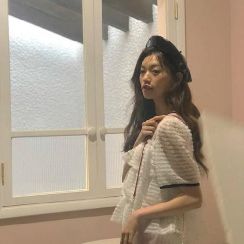 Mũ beret cổ điển phủ sóng tủ đồ sao Hàn mùa thu 2018 - ảnh 8