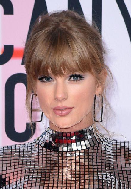 Thảm đỏ American Music Awards: Taylor Swift khoe body không chút mỡ thừa - Tiffany sến sẩm bất ngờ-3