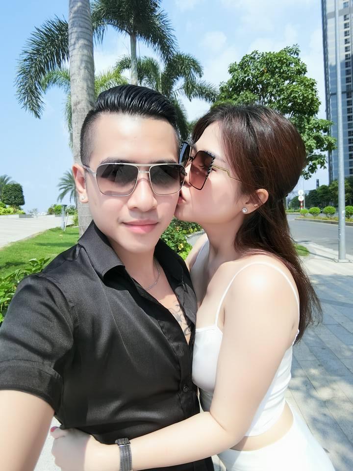 Sau cuộc ly hôn đình đám, chị gái Ngọc Trinh kết hôn lần 2 với nam ca sĩ Tiêu Quang vào 27/10-13