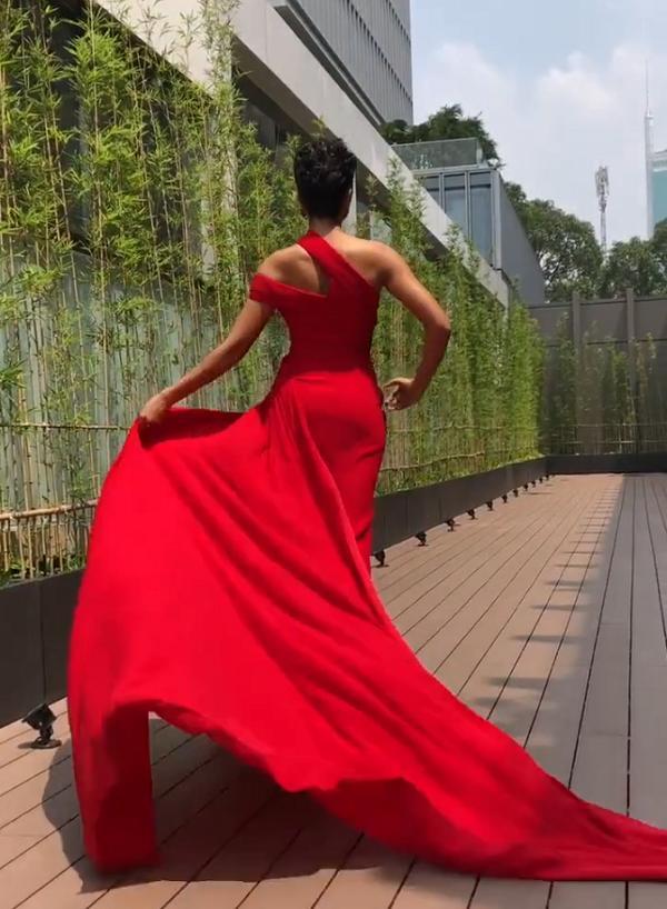 Catwalk chơi mà đã ấn tượng, fan yên tâm về kỹ năng trình diễn cứng cựa của HHen Niê tại Miss Universe 2018-5