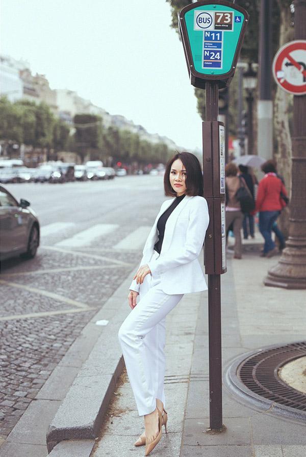 Doanh nhân Sarah Tú 'cực chất' ở Paris-6