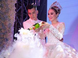 1 năm sau đám cưới, Lâm Khánh Chi tiết lộ chuyện đãi tiệc bị lỗ: '650 người đi chỉ có 350 phong bì'