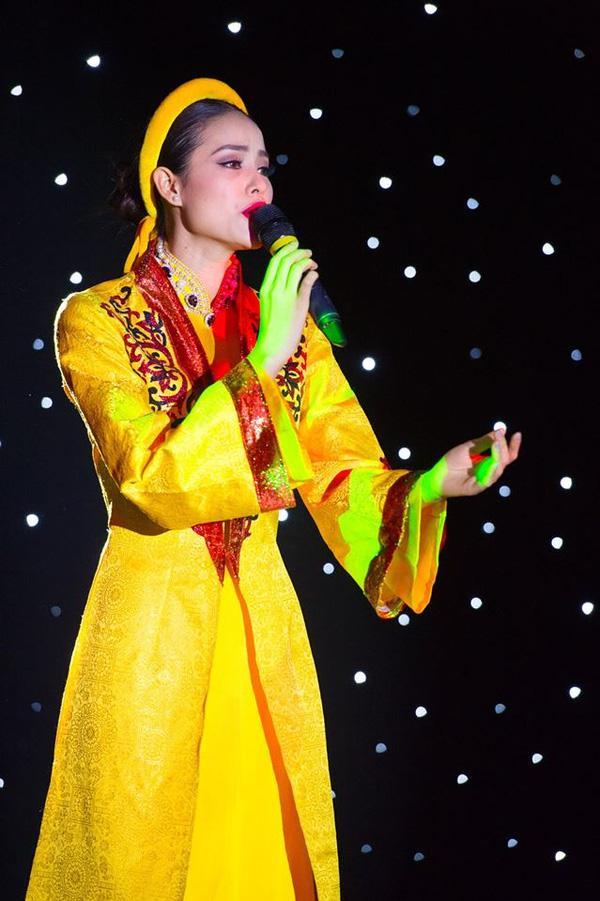 Mỹ nhân Việt nào gây ấn tượng mạnh nhất khi khoe giọng hát trên đấu trường sắc đẹp quốc tế?-3