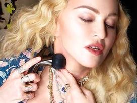 Sản phẩm Madonna dùng để chống lão hoá da bị hiểu lầm là đồ chơi tình dục