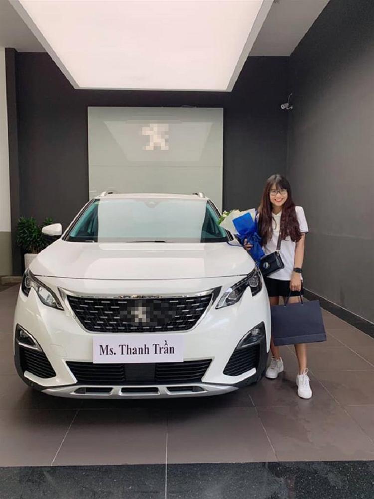 Tháng 9 vượt mặt Sơn Tùng M-TP, tháng 10 hot mom Thanh Trần lại khiến người khác ghen đỏ mắt khi tậu xế hộp tiền tỷ ở tuổi 22-3