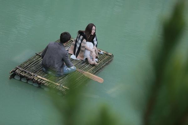 Ngân Khánh và Song Luân hẹn hò lãng mạn ở Tuyệt Tình Cốc đẹp như mơ-1
