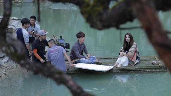 Ngân Khánh và Song Luân hẹn hò lãng mạn ở Tuyệt Tình Cốc đẹp như mơ-2