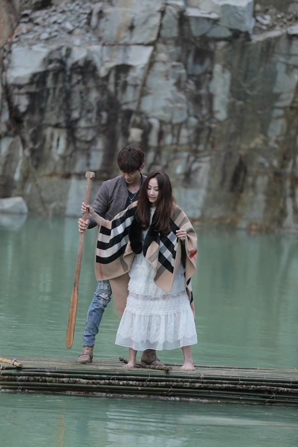 Ngân Khánh và Song Luân hẹn hò lãng mạn ở Tuyệt Tình Cốc đẹp như mơ-9