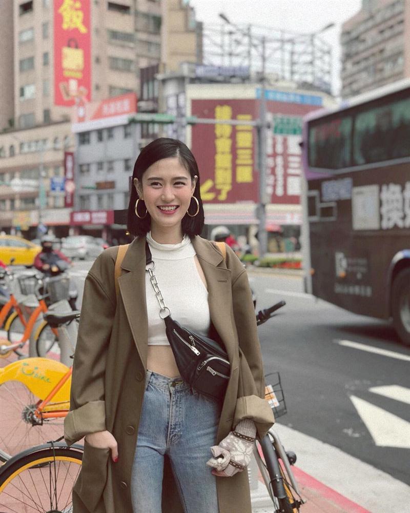 Hotgirl Thái Lan có vòng eo con kiến, trẻ hơn nhiều so với tuổi 30-2