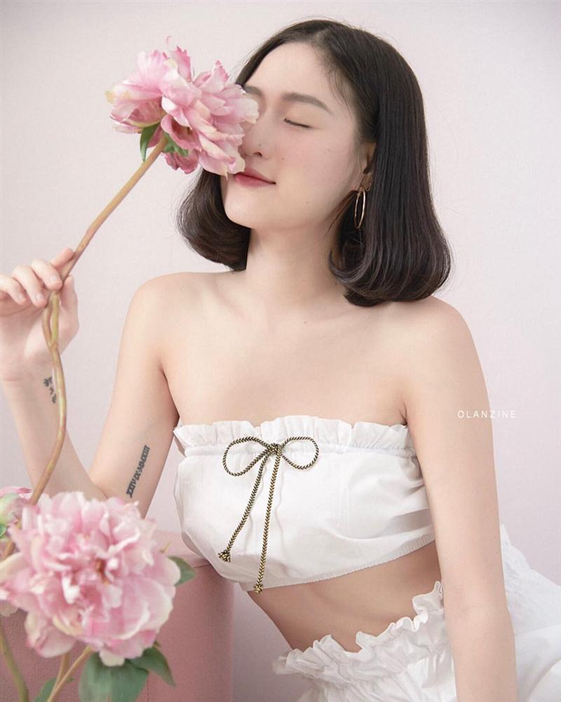 Hotgirl Thái Lan có vòng eo con kiến, trẻ hơn nhiều so với tuổi 30-4