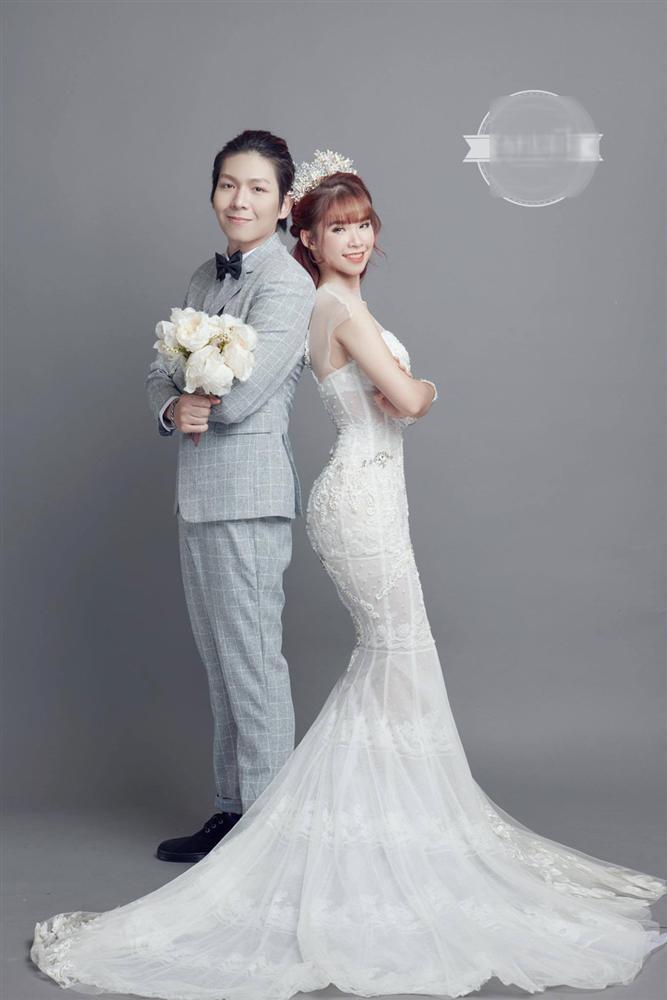 Ngoài Sĩ Thanh Oh my chuối, chưa cô dâu nào dám chơi trội biến bodysuit xuyên thấu thành váy cưới-13