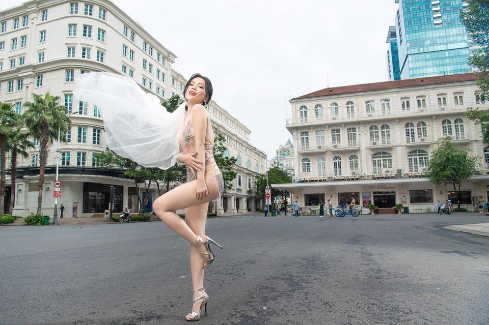 Ngoài Sĩ Thanh Oh my chuối, chưa cô dâu nào dám chơi trội biến bodysuit xuyên thấu thành váy cưới-4