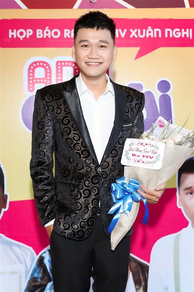 Mr Cần Trô hát bằng giọng Phú Yên, quyết tâm trở thành ca sĩ chuyên nghiệp-3
