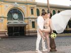 Mặc bodysuit xuyên thấu chụp ảnh cưới lại còn ngả ngớn nơi trang nghiêm, Sĩ Thanh bị chê 'rẻ tiền'