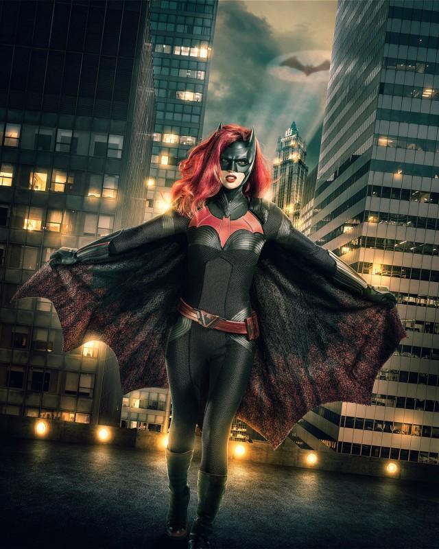 Hé lộ tạo hình của nữ siêu anh hùng đồng tính đầu tiên-1