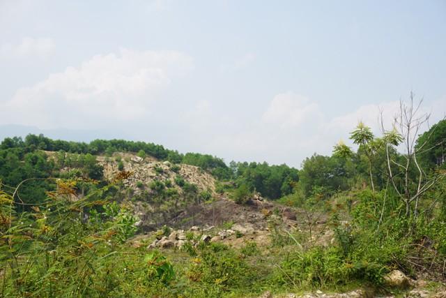Thủ phủ đá đỏ Quỳ Châu: Những viên đá mang màu máu-3