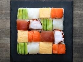 Hoa mắt, đã miệng với đĩa sushi đẹp như ảnh Mosaic
