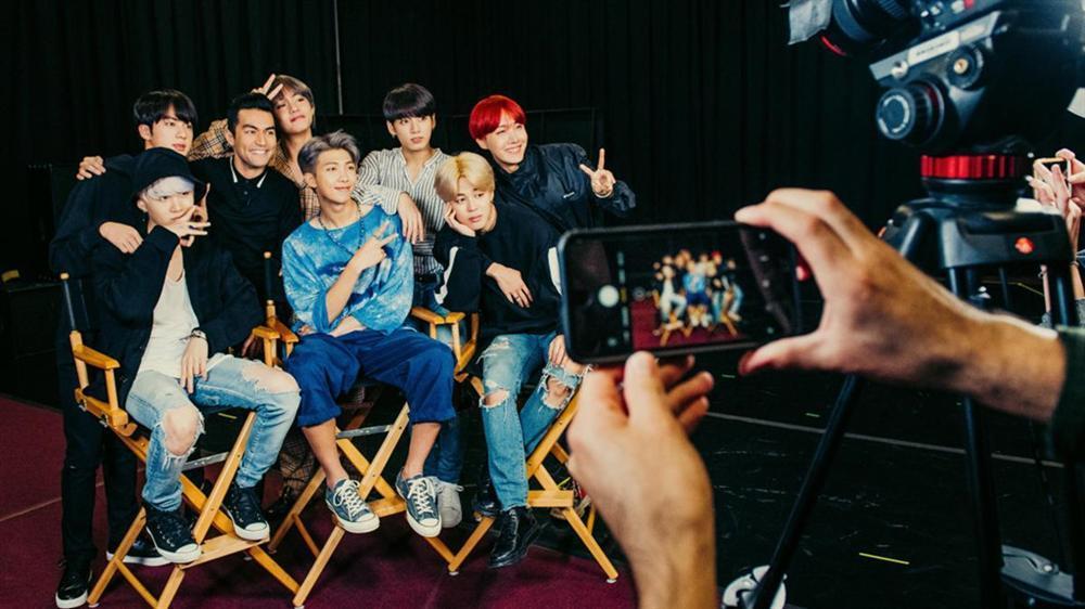 Cuộc sống của BTS: Cô đơn, quá tải, chỉ công việc và không tình yêu-3