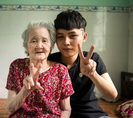 Bị cháu trai dọa bỏ tù, bà ngoại xì tin nhất Việt Nam hờn mát: Đi đi, muốn làm gì thì làm-3