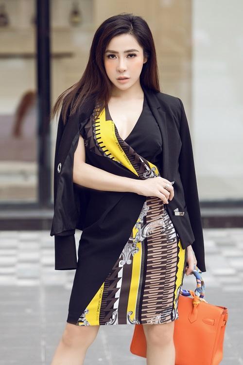 Mai Diệu Linh khoe nét thanh lịch với đồ hiệu Versace-7