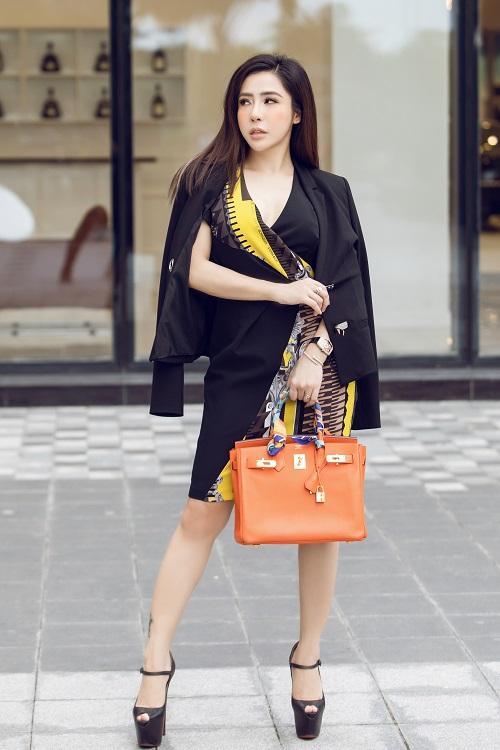 Mai Diệu Linh khoe nét thanh lịch với đồ hiệu Versace-8