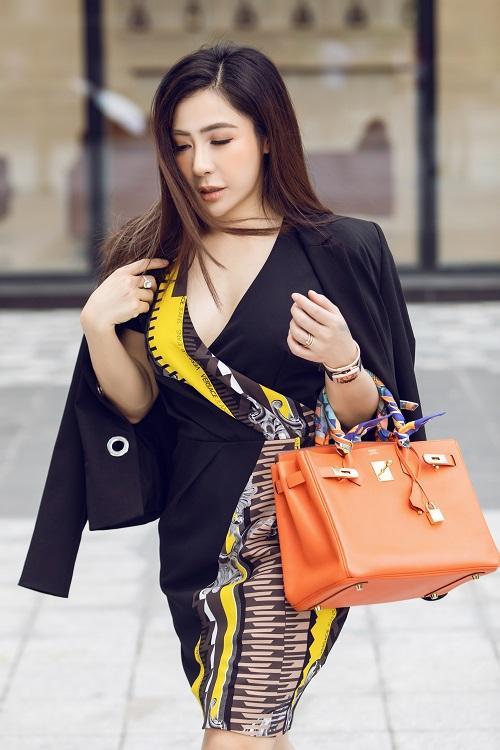 Mai Diệu Linh khoe nét thanh lịch với đồ hiệu Versace-9