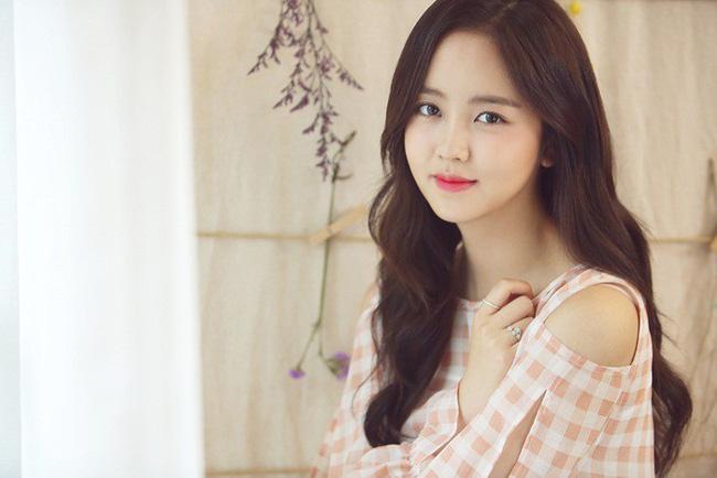 Mợ chảnh Jeon Ji Hyun dù đẹp rạng ngời vẫn mất điểm vì đôi chân gân guốc-8