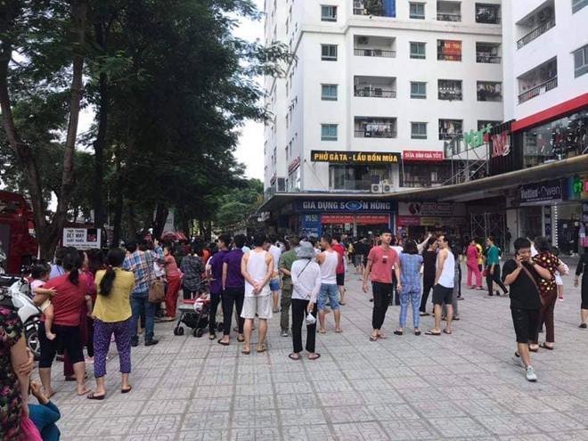 Cháy máy giặt trên tầng 31, hàng trăm cư dân HH Linh Đàm bỏ chạy-2