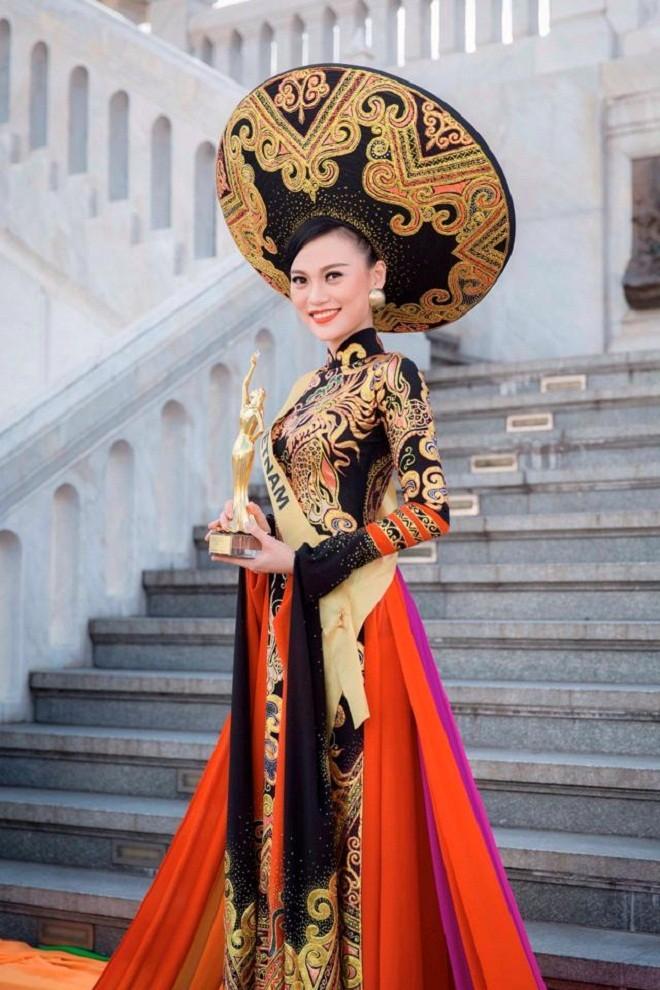 Mỹ nhân Việt trình diễn quốc phục tại Miss Grand International: Chưa ai đủ xuất sắc để vượt mặt người đẹp thi chui-4