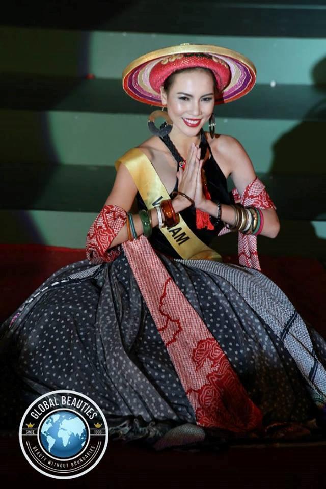 Mỹ nhân Việt trình diễn quốc phục tại Miss Grand International: Chưa ai đủ xuất sắc để vượt mặt người đẹp thi chui-6