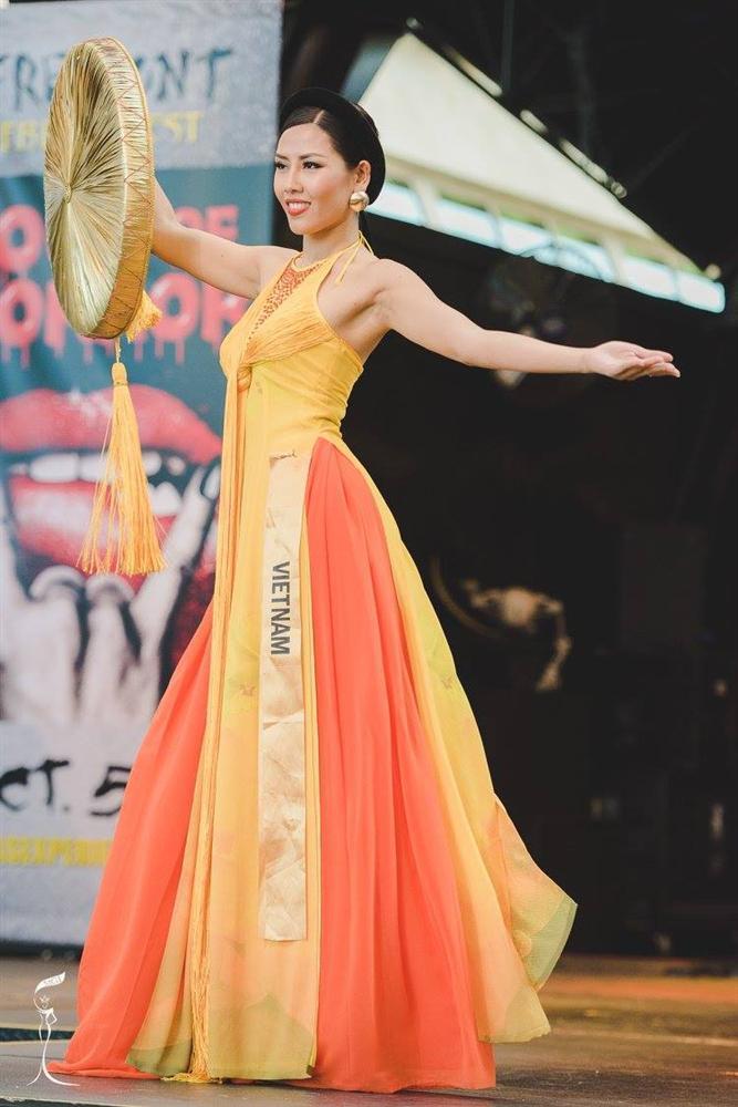 Mỹ nhân Việt trình diễn quốc phục tại Miss Grand International: Chưa ai đủ xuất sắc để vượt mặt người đẹp thi chui-8