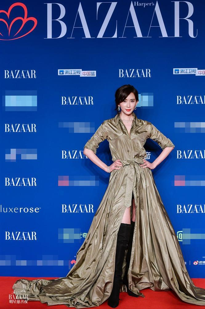 Thảm đỏ Bazaar: Dương Mịch chặt đẹp hội chị em, Hoàng hậu Đổng Khiết không kém phần quý phái-10