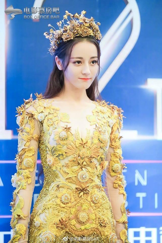 Địch Lệ Nhiệt Ba đẹp xuất sắc, chiếm top tìm kiếm khi hoá thân thành Nữ thần Kim Ưng-11