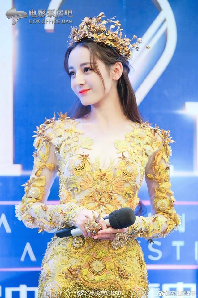 Địch Lệ Nhiệt Ba đẹp xuất sắc, chiếm top tìm kiếm khi hoá thân thành Nữ thần Kim Ưng-3