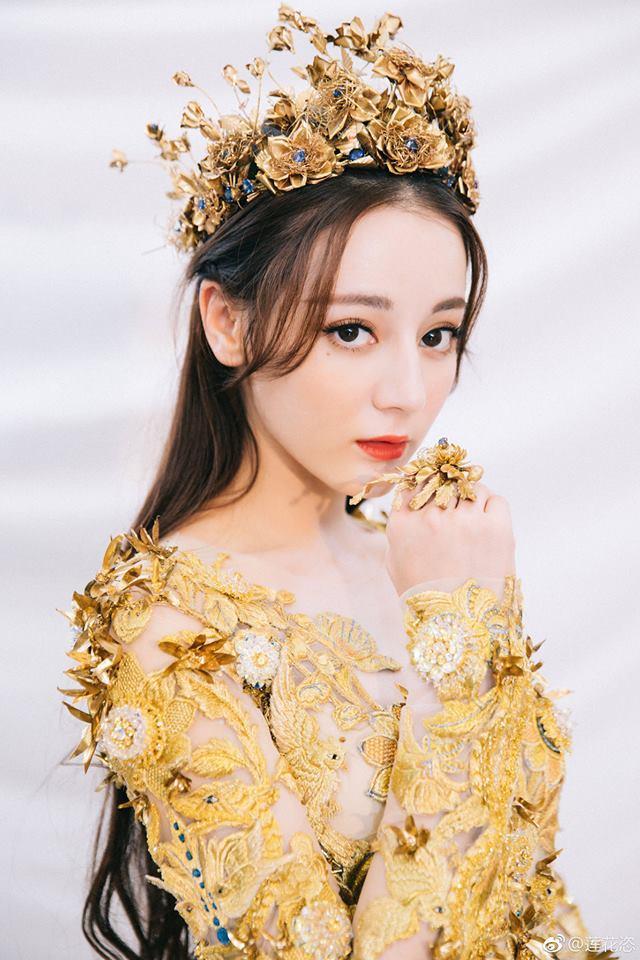 Địch Lệ Nhiệt Ba đẹp xuất sắc, chiếm top tìm kiếm khi hoá thân thành Nữ thần Kim Ưng-5