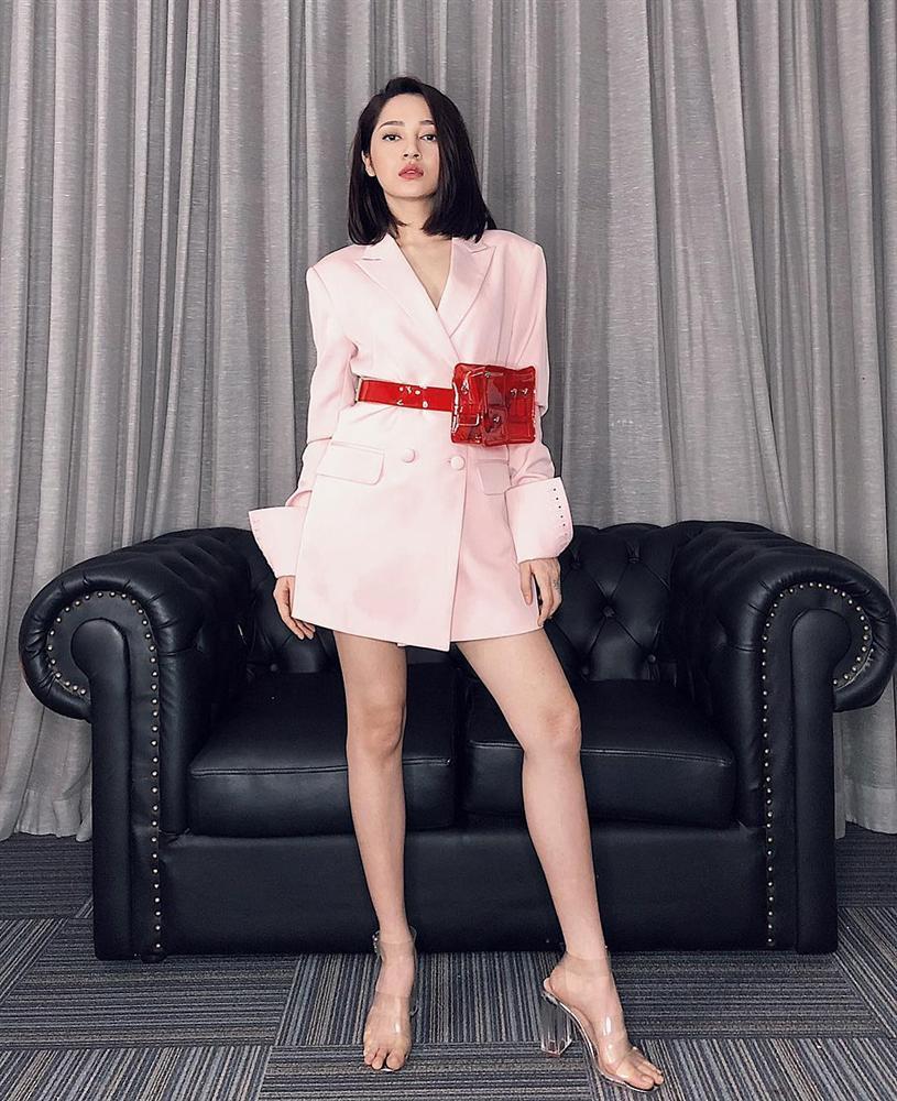 Người đẹp Mai Phương Thúy chúc mừng sinh nhật Hoa hậu Đỗ Mỹ Linh-4