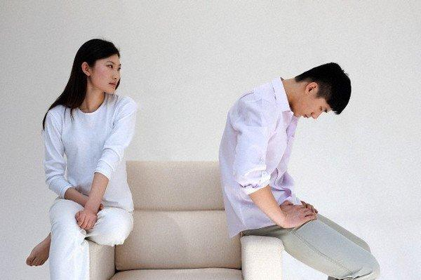 Day dứt vì ly hôn vẫn ân ái mặn nồng với chồng cũ-1