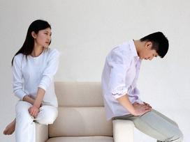 Day dứt vì ly hôn vẫn ân ái mặn nồng với chồng cũ