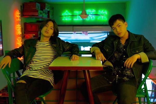 Mặc cho bản audio bị chê tơi tả, ca khúc trên bàn nhậu Hongkong1 vẫn được phát hành MV-4