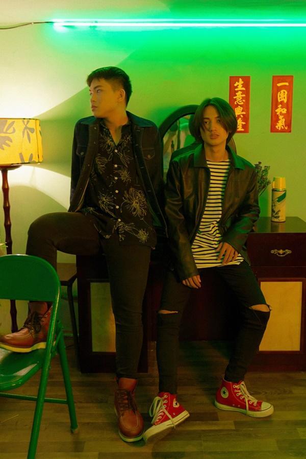 Mặc cho bản audio bị chê tơi tả, ca khúc trên bàn nhậu Hongkong1 vẫn được phát hành MV-5